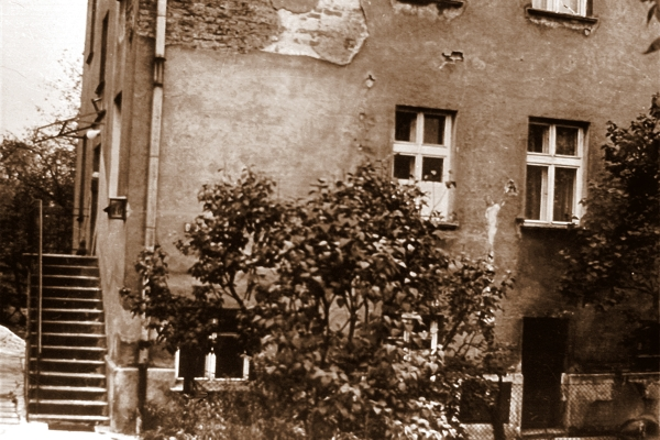 Dom, w którym zamieszkali Wojtyłowie po przeprowadzce do Krakowa