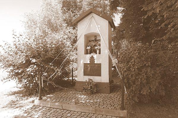 Kapliczka w Marszowicach - miejsce w którym młody ksiądz Wojtyła ucałował niegowicką ziemię