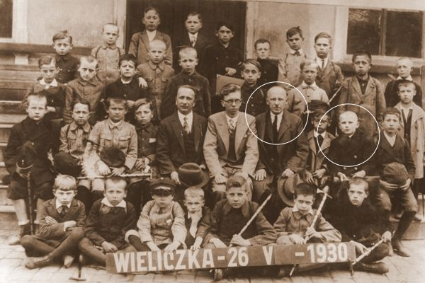 Karol Wojtyła wraz z ojcem na wycieczce klasowej w Wieliczce