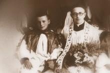 Karol Wojtyła - ministrant wraz z ks. Figlewiczem